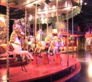 100年前のレトロな移動遊園地を体験できるパリ縁日博物館