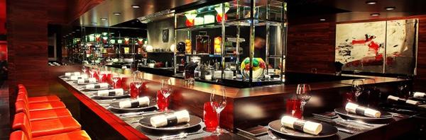 パリのミシュラン2つ星レストランL'Atelier de Joel Robuchon Etoile