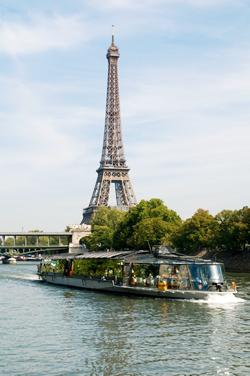 パリ・セーヌ河クルーズBateaux Parisiens