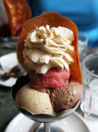 行列が出来るパリの老舗アイスクリームBerthillon