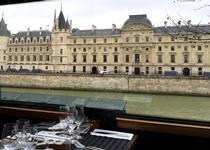 パリ観光,パリ観光バスツアー,おすすめパリ観光バスツアー,パリ観光レストラン,パリのレストラン,コンシェルジュリー