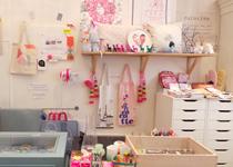 パリの雑貨屋,パリのアクセサリー,パリの小さなバッグ屋,パリの小さな雑貨店,La boutique de Louiseパリ