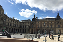 パリ観光,フランスクラシックカー,シトロエン,パリのプライベート観光,パリの貸切観光,パリの車貸切,4 roues sous 1 parapluie,ルーブル美術館