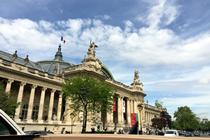 パリ観光,フランスクラシックカー,シトロエン,パリのプライベート観光,パリの貸切観光,パリの車貸切,4 roues sous 1 parapluie,シャンゼリセ大通り,グランドパレ