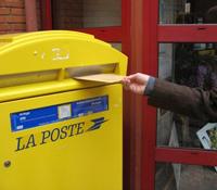 フランス郵便の送り方と料金,切手販売機の使い方,フランス日本への郵送料